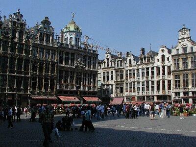 ブリュッセル市内観光 ワッフルをいただく。私が今まで食べた中で一番のワ... ベルギーの首都ブリ